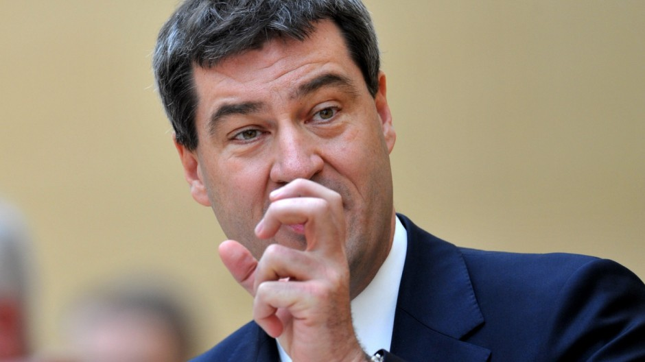 schuldenabbau in bayern seehofers schwuppdiwupp politik plenarsitzung im landtag