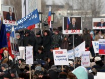 Pro-Kremlin Anti-Orange rally in the center of Moscow