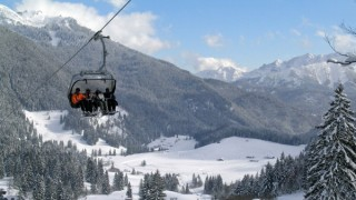 Ein Skilift am Spitzingsee