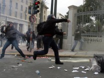 General Strike Leads To More Clashes in Athens