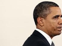 Obama Discusses 2013 Budget At Visit To Community College In VA