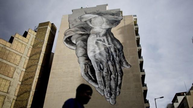 BESTPIX  Anti-Government Grafitti Adorns Athens