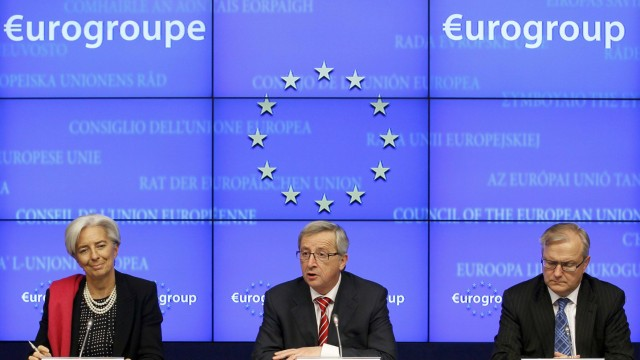IMF Managing Director Lagarde Eurogroup Chairman Juncker and European Monetary Affairs Commissioner Rehn hold a joint news conference after a Eurogroup meeting in Brussels