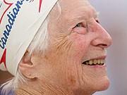 90-jährige Schwimmerin