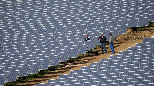 Aufbau eines Solarparks