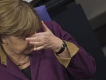Koalition verfehlt Kanzlermehrheit fuer Griechenland-Hilfe