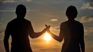 Umfrage: Die Mehrheit der Deutschen glaubt an Liebe fürs Leben