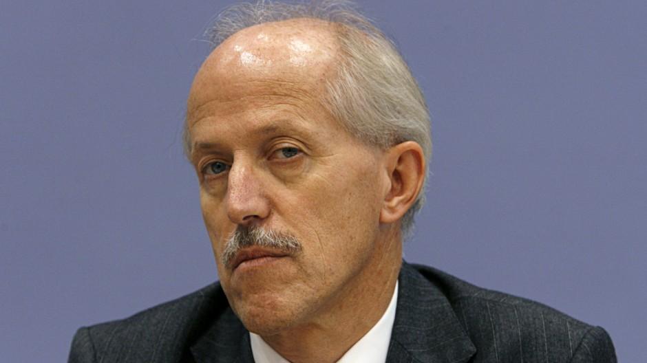 De Maizière entlässt Bundeswehrreform-Staatssekretär Otremba