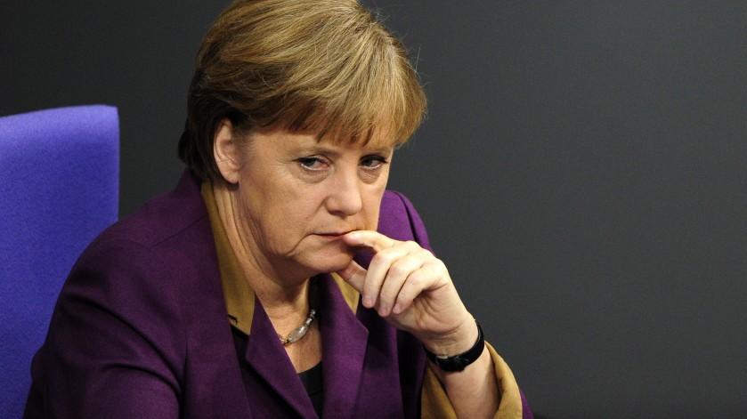 Kanzlerin Angela Merkel (CDU) ist offenbar bereit, ihren Widerstand gegen Aufstockung des Euro-Rettungsschirms aufzugeben.