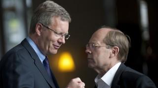 Chef des Bundespraesidialamtes billigte Ehrensold fuer Wulff