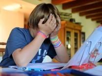 Mediziner: Immer mehr Kinder haben chronische Schmerzen