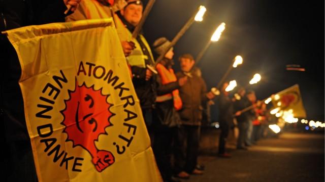 Lichterkette gegen Atomkraft