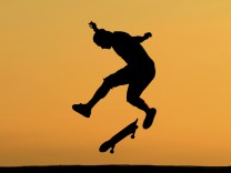 To match Feature SPORT-SKATEBOARDING/HOFFART