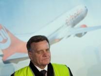 Mehdorn bleibt bis Ende 2013 Chef von Air Berlin