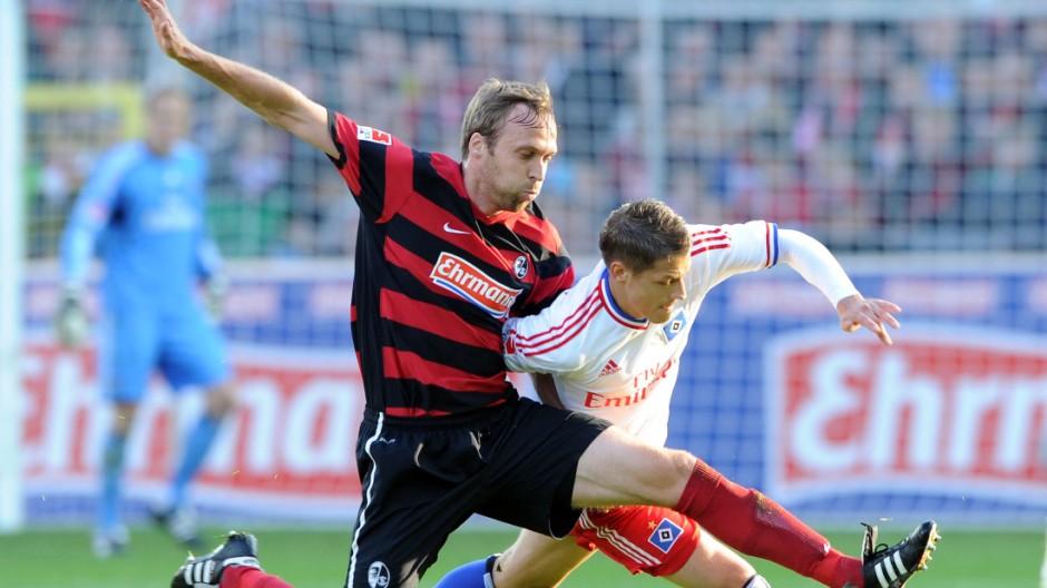 Staendige Abwehrpatzer bringen HSV in Abstiegsgefahr