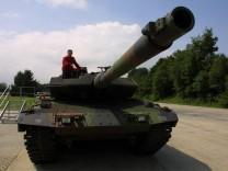 Bundestag stimmt ueber Panzer-Deal ab