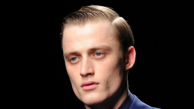Mode Ausstellung Glanz Und Grauen Modetrend Hj Frisur