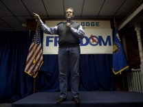 Republican presidential candidate Rick Santorum speaks to supporters at a campaign rally in Beaver Dam, Wisconsin