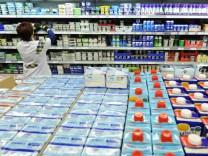 Plastikverpackungen, wo man hinschaut: Vor allem im Supermarkt wird der Verzicht auf Plastik zur Herausforderung.