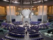 Bundestag debattiert Fiskalpakt und Euro-Rettungsschirm