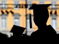 Hochschulabschluss ist keine Garantie für hohe Löhne