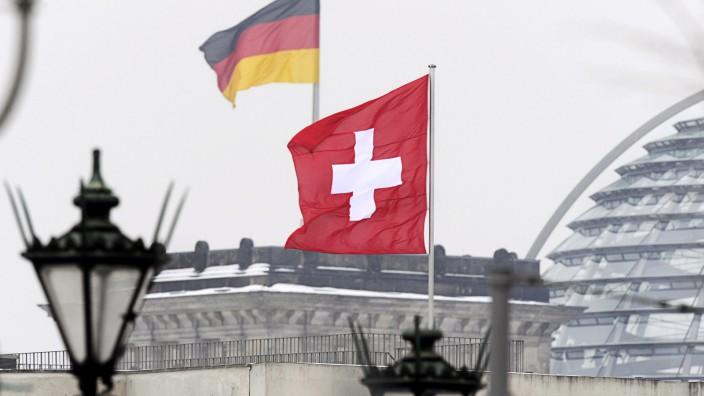 Schweiz erlässt Haftbefehle gegen NRW-Steuerfahnder