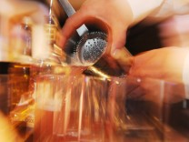 Schön schütteln bei den Cocktail-Meisterschaften