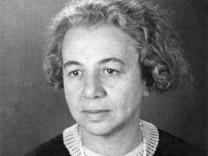 Dora Lux Anfang der 1930er Jahre, Lehrerin von Hilde Schramm