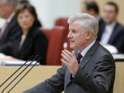 Horst Seehofer, HGAA, Reuters