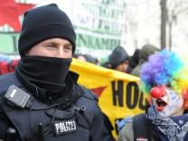 48. Münchner Sicherheitskonferenz - Demonstration