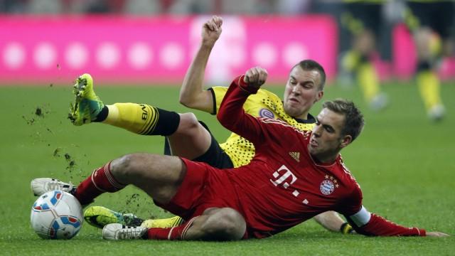 Dortmunder Spieler lachen ueber Psychospielchen