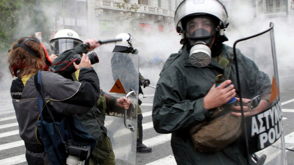 President of Greek Pressphotographers hospitalized after clashes