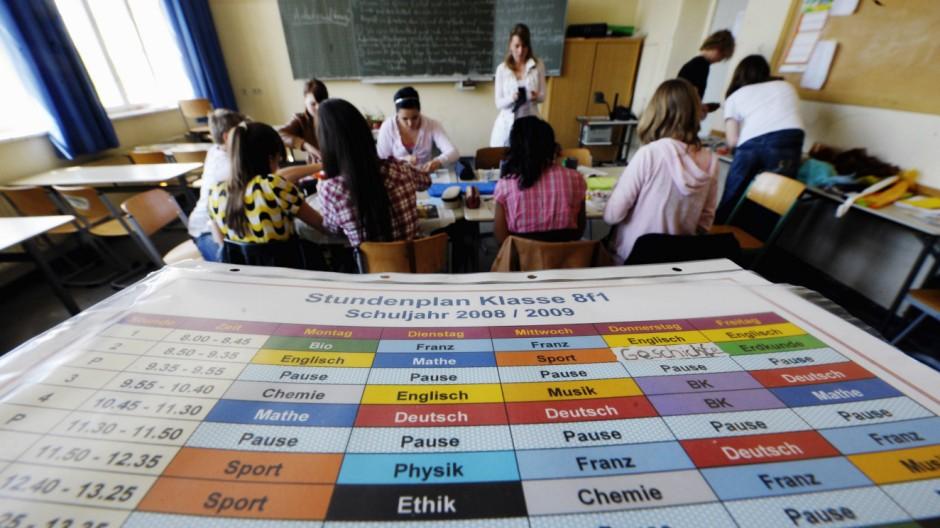 Kinderdienst: Wie geht es mit Reli-Unterricht in Berlin weiter?