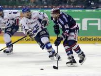 Eisbaeren Berlin v Adler Mannheim - DEL Final Game 1
