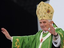 Benedikt XVI. wird 85