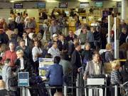 Flughafen Passagier Check-In, dpa