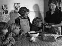 Geschwisterforschung: Zwischen Eifersucht, Rivalität und Liebe - wie und Brüder und Schwestern beeinflussen