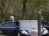 Financial cuts negotiations fail in The Hague