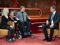 ARD-Talksendung 'Günther Jauch' - Samuel Koch