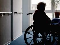 Pflegenoten für Altersheime und Pflegedienste offenbaren Defizite