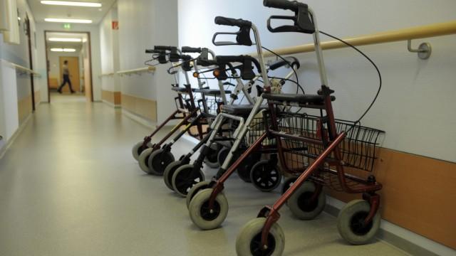 Zeitung: NRW droht dramatischer Mangel an Pflegekraeften