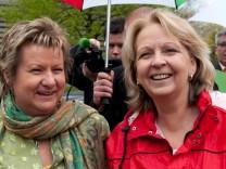 Spitzenkandidatinnen fuer NRW-Landtagswahl praesentieren gemeinsames Wahlplakat