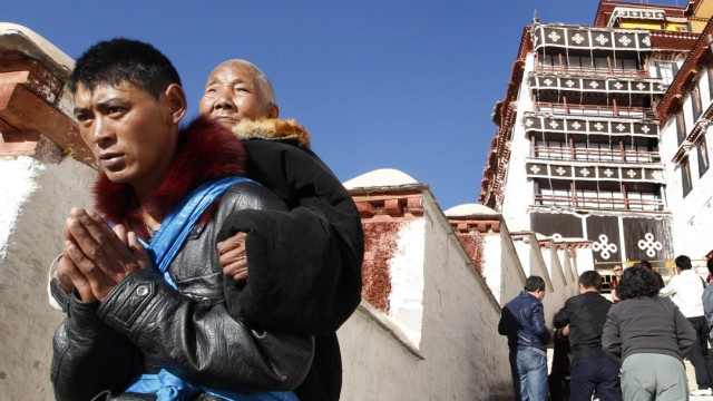 Tibet Lhasa Potala-Palast Pilger
