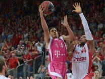 Brose Baskets Bamberg - Telekom Baskets Bonn