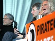 Rainer Langhans bei Diskussion der Piratenpartei Bayern in Trudering, 2012