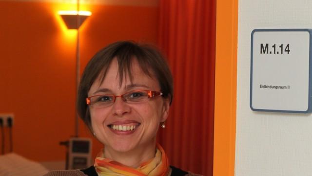 Bruck: Hebamme Birgit Amey