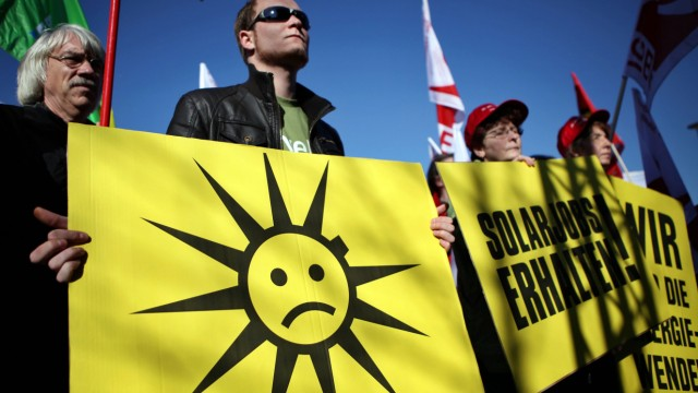Proteste gegen Kürzungen der Solarförderung