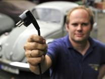 Spezialwerkstatt macht Oldtimer elektromobil