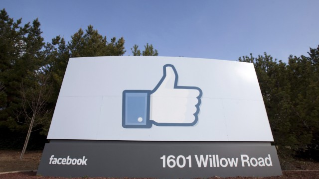 Facebook raises share price ahead of Friday trading