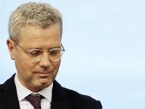 Kreise: Roettgen will als Bundesumweltminister zuruecktreten